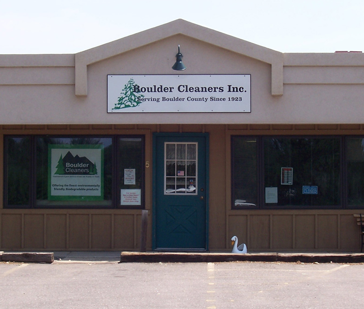 Boulder Cleaners in Niwot, Colorado - 6964 N. 79th St., Niwot, Colorado 303-652-2133